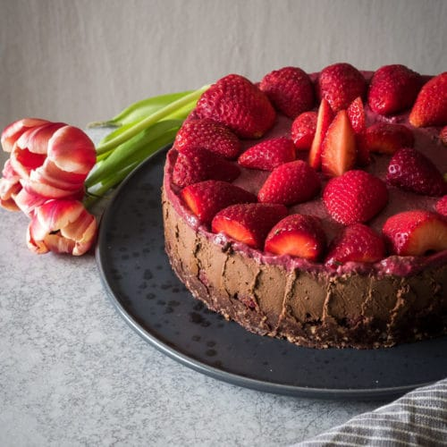Zartbitterer Erdbeer Schokoladenkuchen