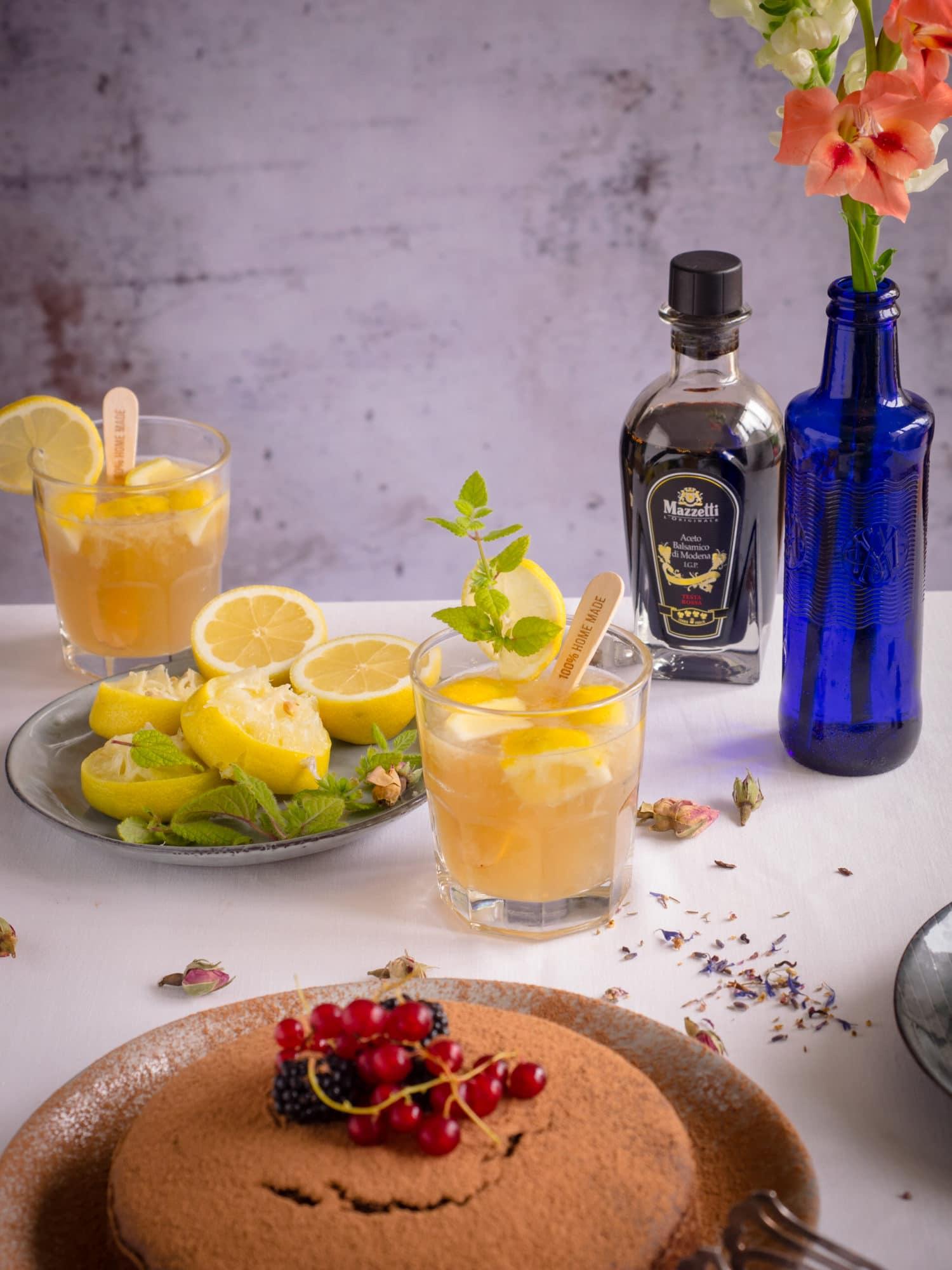 Sommerparty mit Balsamico Zitronen Cocktail mit Mazzetti l'Originale