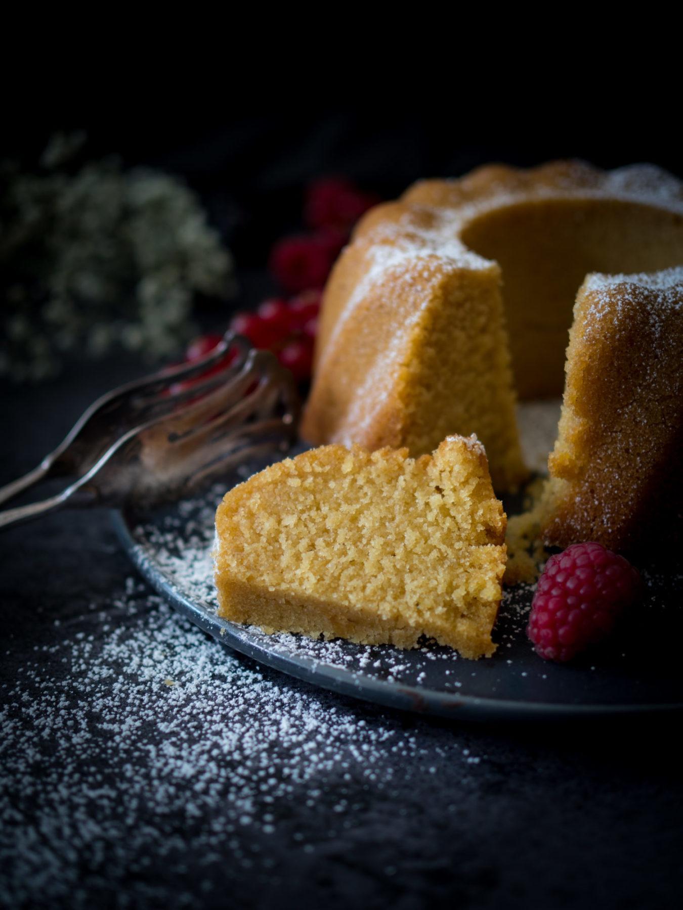 Glutenfreier Vanille Reis Guglhupf