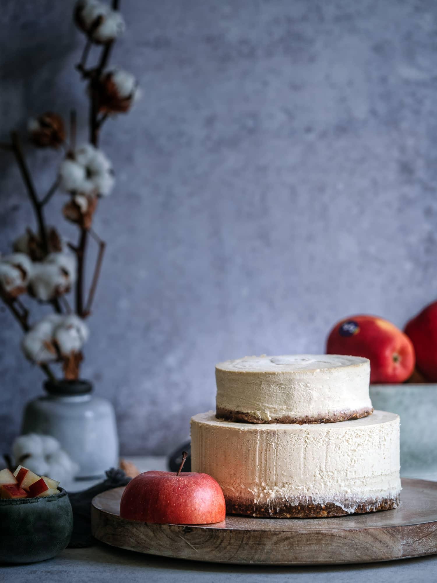 Kuchen ohne Backen mit Apfel