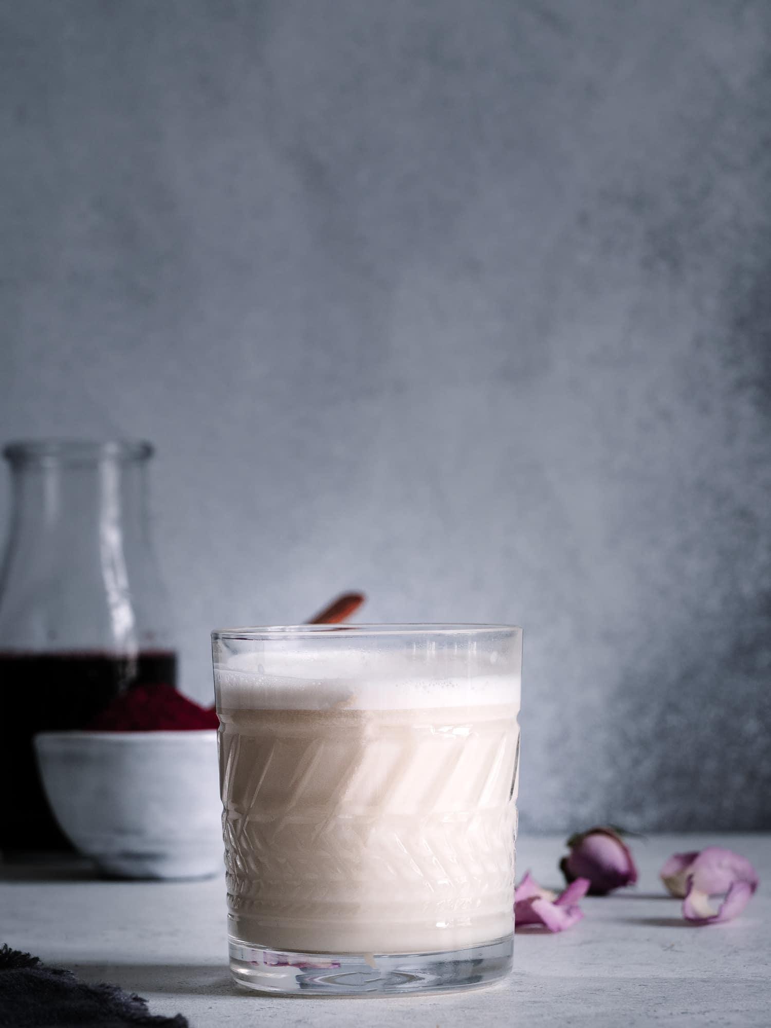 Cashewmilch für rote Beete Latte