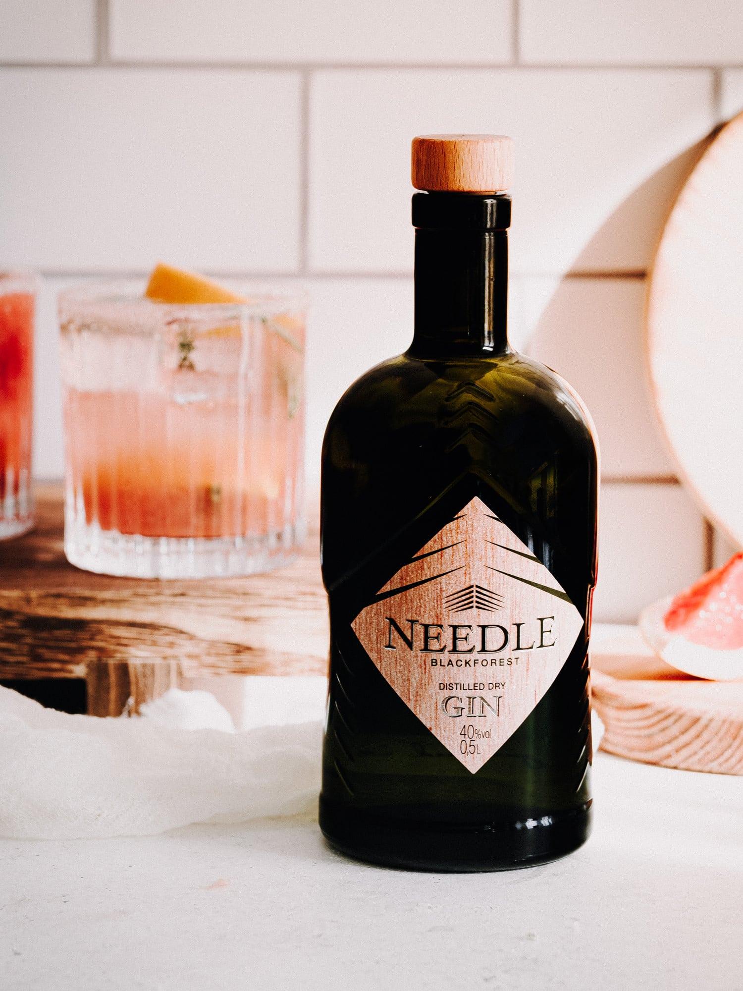Needle Gin Flasche