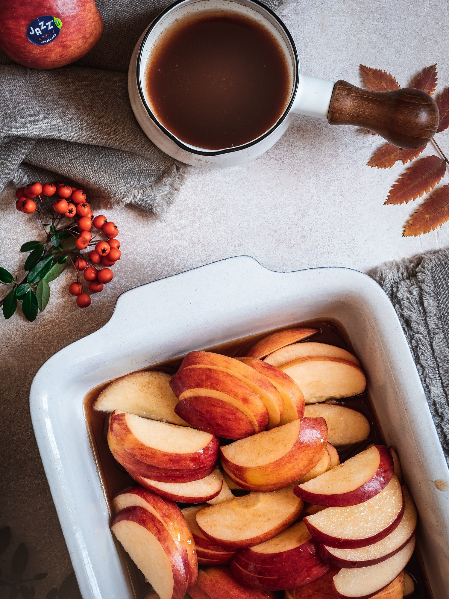 Zimtäpfel  mit Ahornsirup