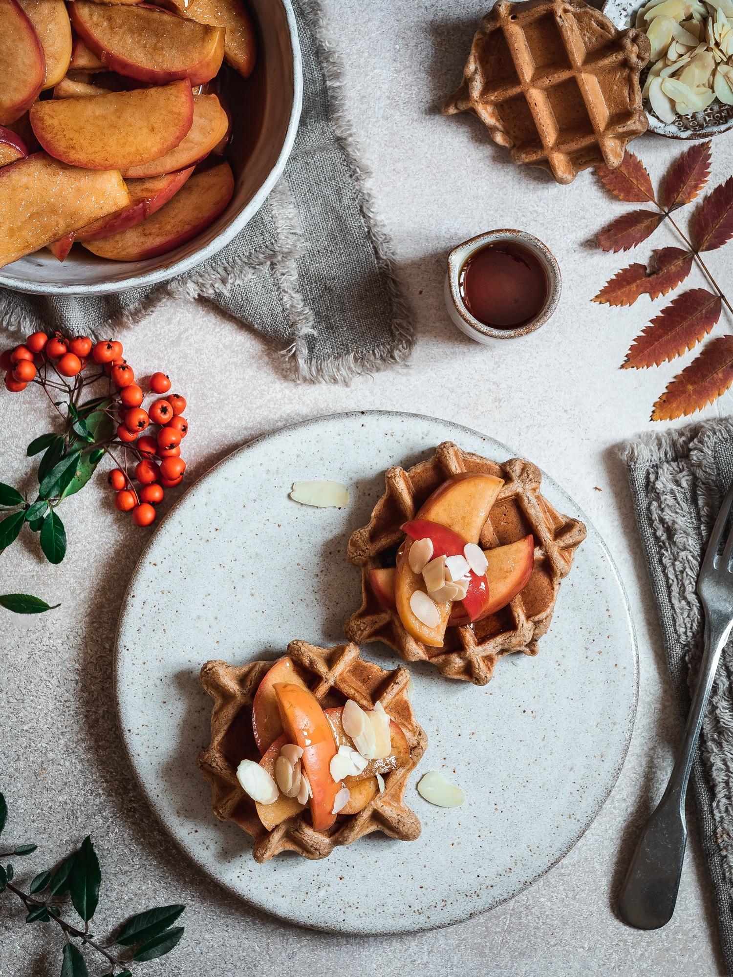Zimtäpfel aus dem Ofen und weihnachtliche Haferwaffeln - glutenfrei